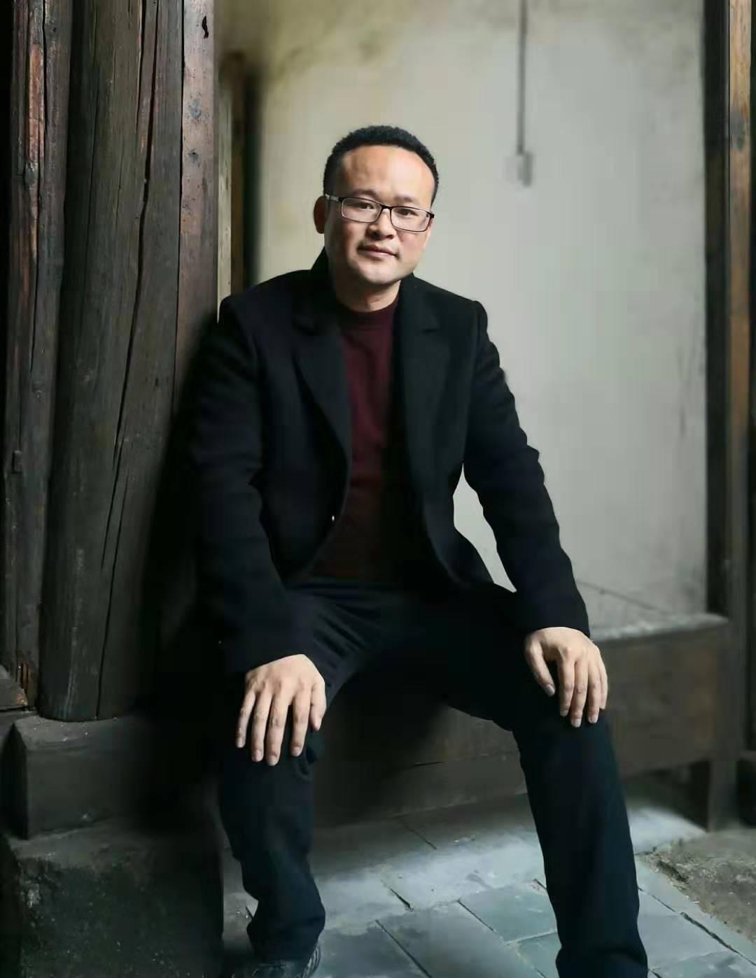 刘仁旺:古樟群书